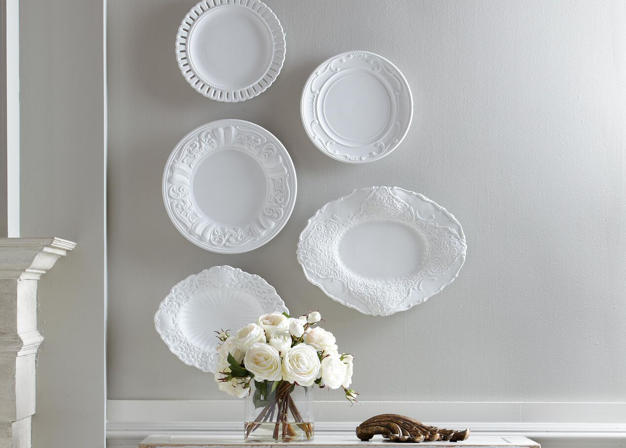Small wall decor plates : Small white baroque wall plate trays