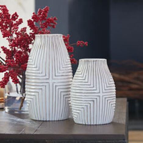 Aztec Vase Product Tile Hover Image 431725