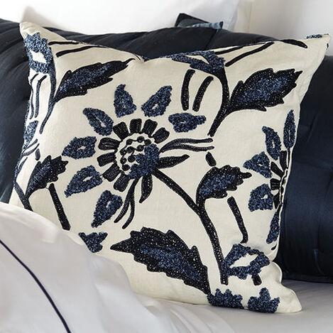 Bouclé Linen Pillow Product Tile Hover Image 065607   NVY