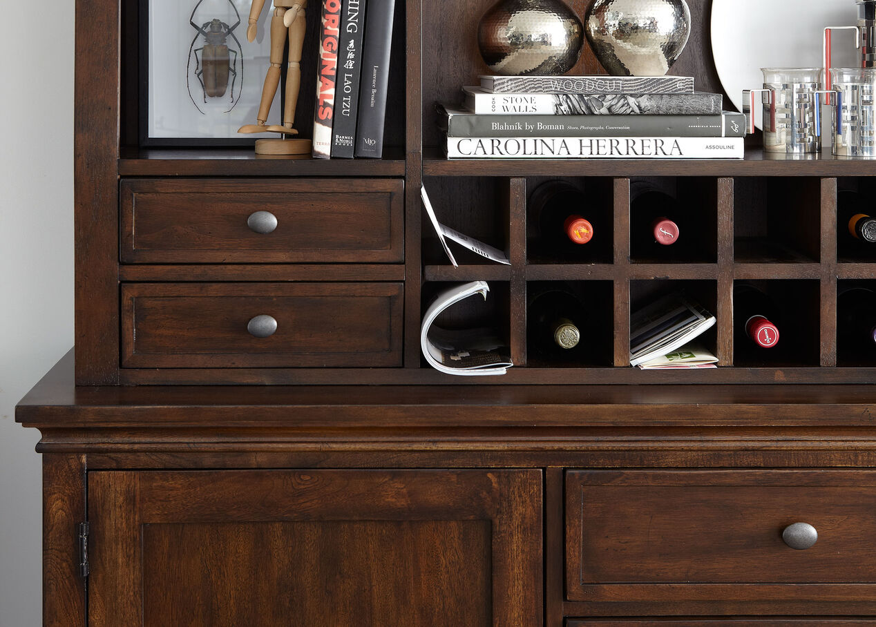 Christopher china and buffet china cabinets ethan allen for Sideboard alt