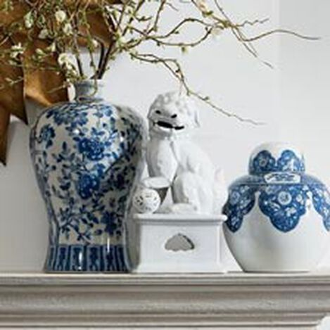 Mei Ping Porcelain Vase Product Tile Hover Image 432350