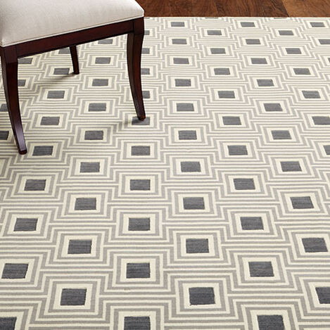 Uptown Chic Rug Product Tile Hover Image 046058