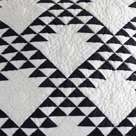 Triangle Quilt and Sham Product Tile Hover Image trianglequilt
