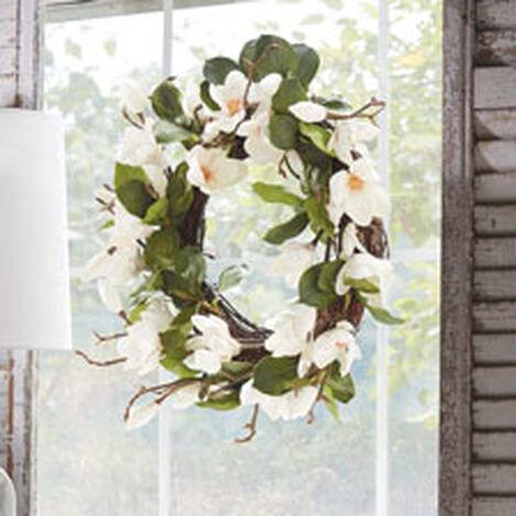 "24"" White Magnolia Wreath Product Tile Hover Image 442200"