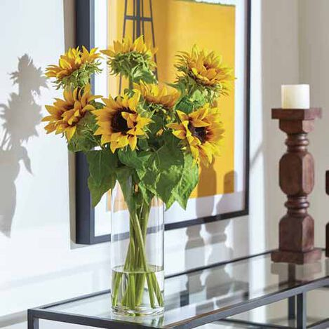 Sunflowers in Tall Vase Product Tile Hover Image 442254