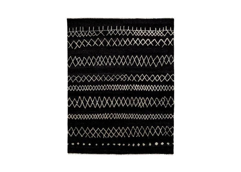 Intrinsik Rug, Black/Ivory