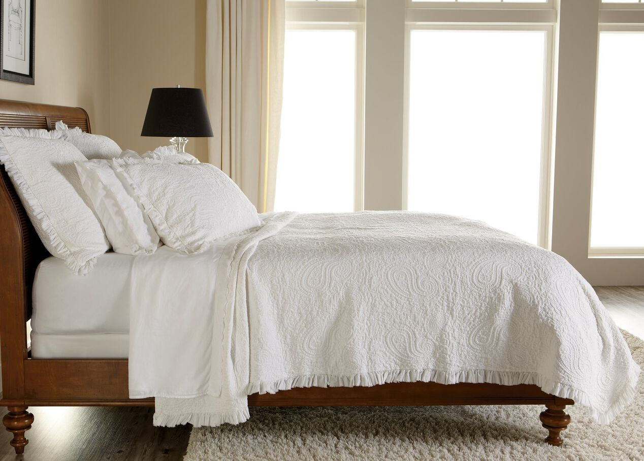 White Paisley Matelasse Coverlet And Shams Quilts Comforters