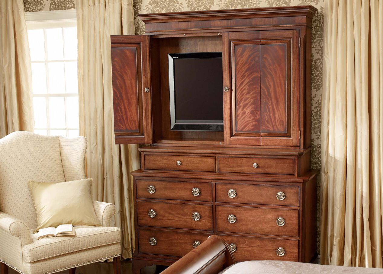 Kent Media Dresser | Dressers & Chests