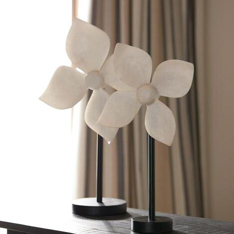 Kousa Flower on Stand Product Tile Hover Image 432416