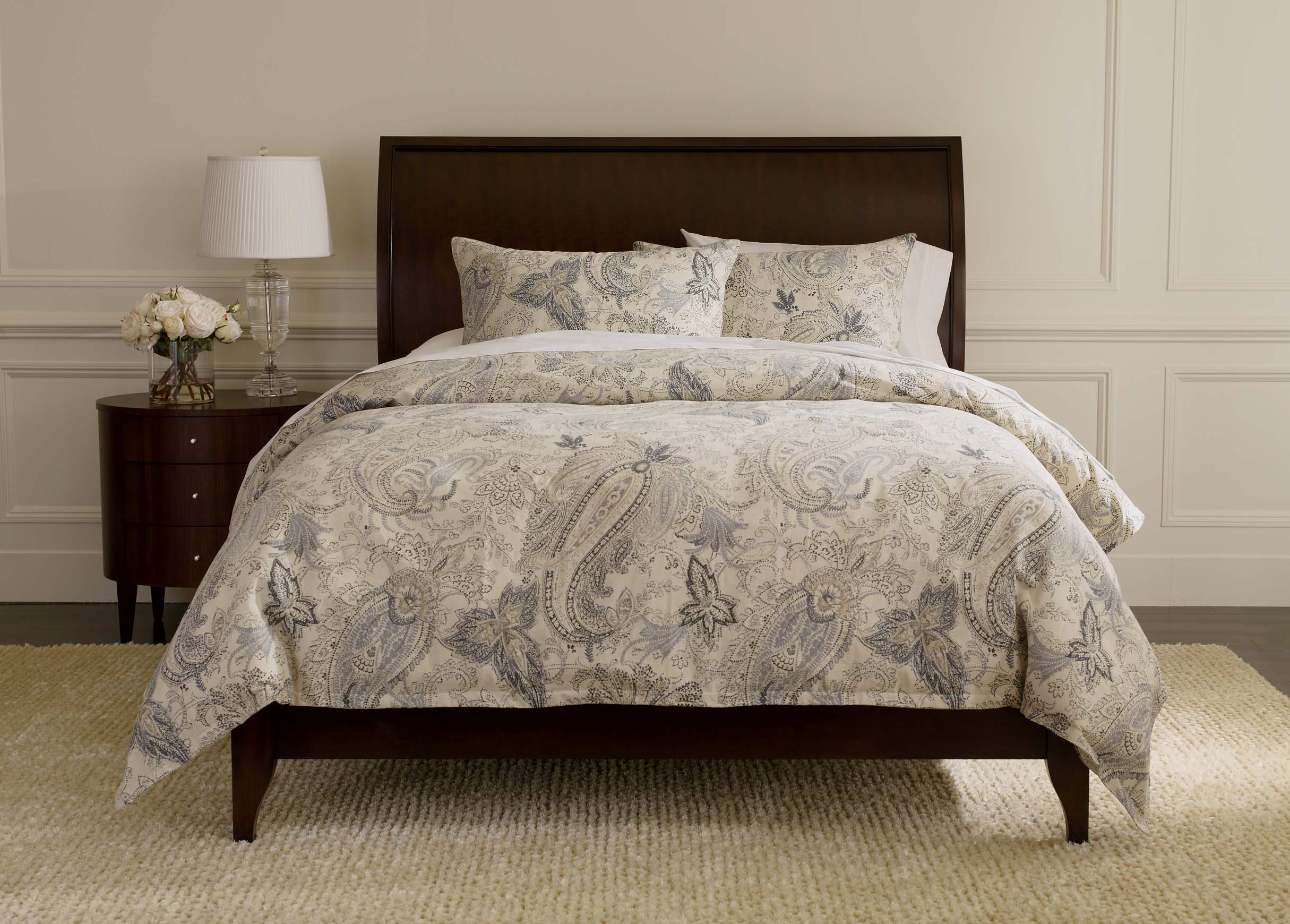 Bed Works shops are among the leading bed stores in the Sydney metro area, providing you with the finest range of bed frames, mattresses, bedroom furniture, pillows, and bedding in Sydney .