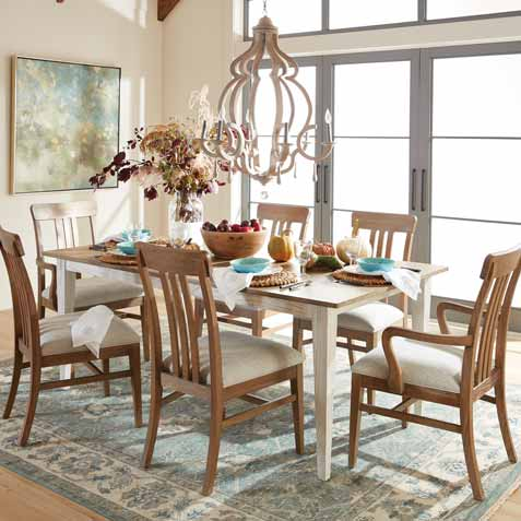 Country-Chic Dining Room Tile